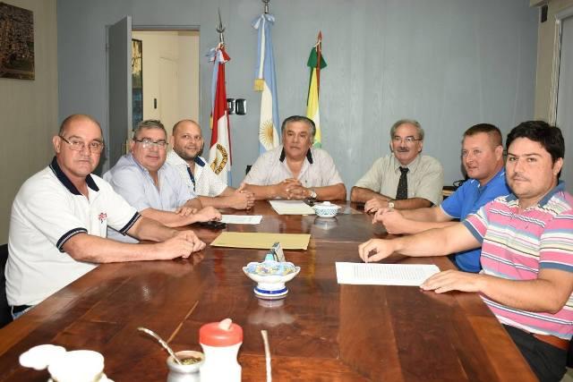 Busquets firmó un convenio para que UPCN construya viviendas en Ceres