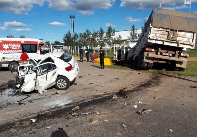 Rosario: Una persona falleció en impresionante choque