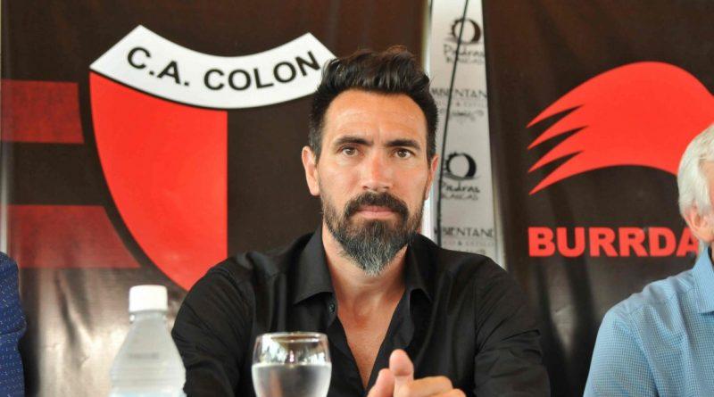 """Domínguez, tras el triunfo de Colón: """"Los refuerzos deben venir desde ya"""""""