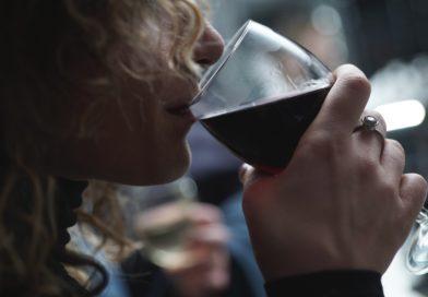 Beber para calmar tus nervios podría empeorar tu ansiedad