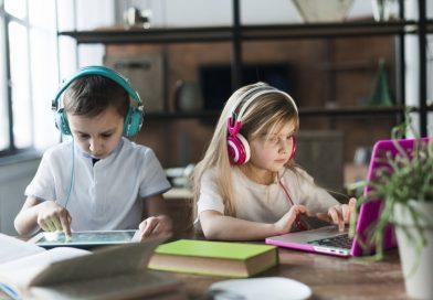La OMS recomienda que los niños no estén expuestos a pantallas hasta los dos años