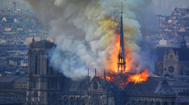 Notre Dame: encontraron colillas de cigarrillo en el lugar donde se originó del incendio