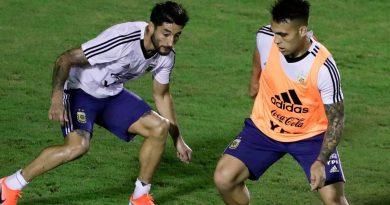Scaloni define el equipo para enfrentar a Paraguay