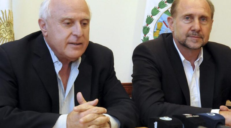 Lifschitz y Perotti ahora rivalizan por la ceremonia del traspaso de mando